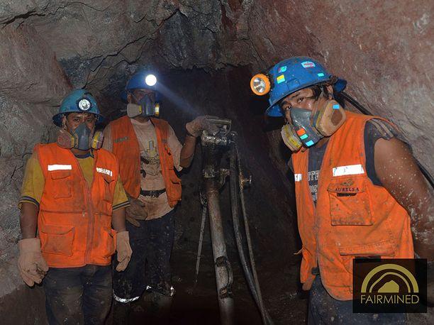 Monet pienet kultakaivokset sijaitsevat köyhissä Latinalaisen Amerikan, Afrikan ja Kaakkois-Aasian maissa. Niissä työskentelee jopa 90 % kaikista maailman kaivostyöläisistä.