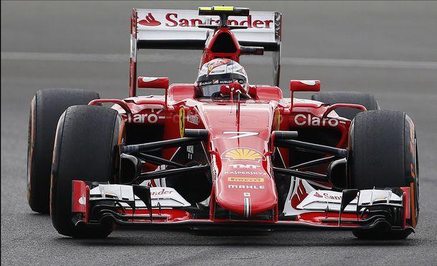 Kimi Räikkönen selvisi jatkoon 0,3 sekunnin erolla.