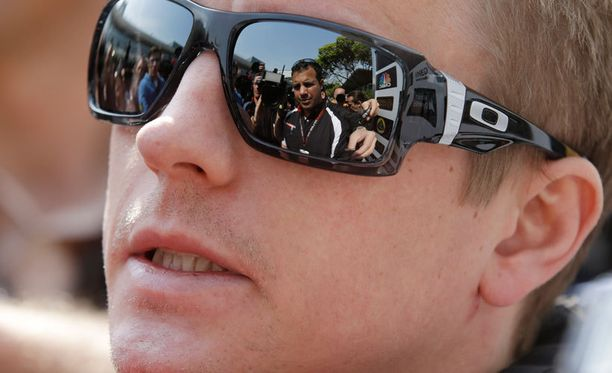 Kimi Räikkönen ei halua nostaa Lotusta muita talleja paremmaksi.