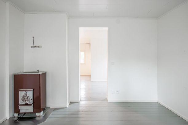 Huoneiden väliltä on napsittu turhat ovet pois.