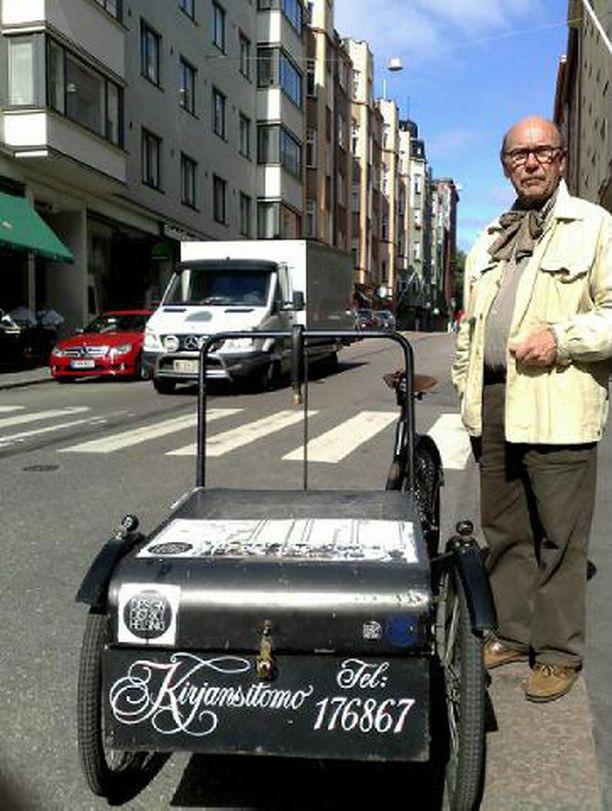– Kiskot tänne vaan kuin San Franciscossa, toivottaa Korkeavuorenkadun yrittäjiin kuuluva Juhani Roininen.