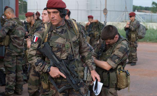 Ranska lähetti Keski-Afrikkaan 600 sotilasta heti, kun YK:n turvallisuusneuvosto näytti vihreää valoa.