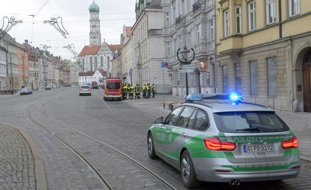 Joulunvietto keskeytyi Augsburgissa, jotta räjähtämätön pommi saadaan tehtyä vaarattomaksi.
