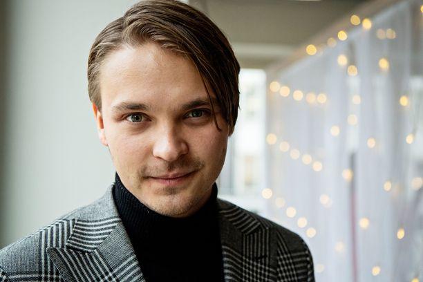 Roope Salminen on iloinen työtehtäviensä monipuolisuudesta.