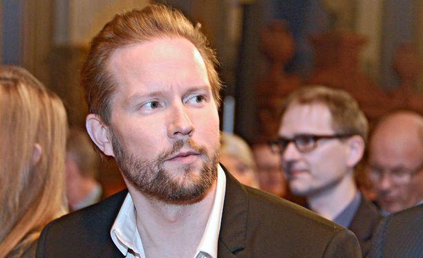 Filosofi Pekka Himasen tutkimushanke puhuttaa.