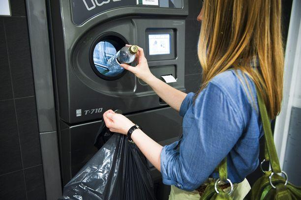 Palautettujen kierrätysmuovipullojen määrä on kasvanut S-ryhmässä vuosittain. Vuonna 2017 S-ryhmän myymälöihin palautettiin 178 miljoonaa kierrätettävää muovipulloa, mikä on 9 miljoonaa pulloa enemmän edelliseen vuoteen verrattuna.