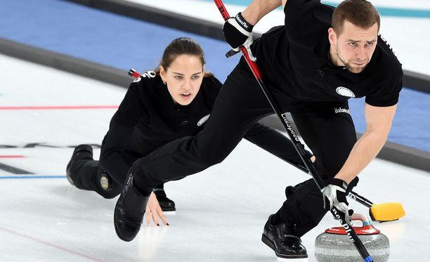 Anastasia Bryzgalova ja hänen aviomiehensä Alexander Krushelnitskii ovat vuoden 2016 maailmanmestareita.
