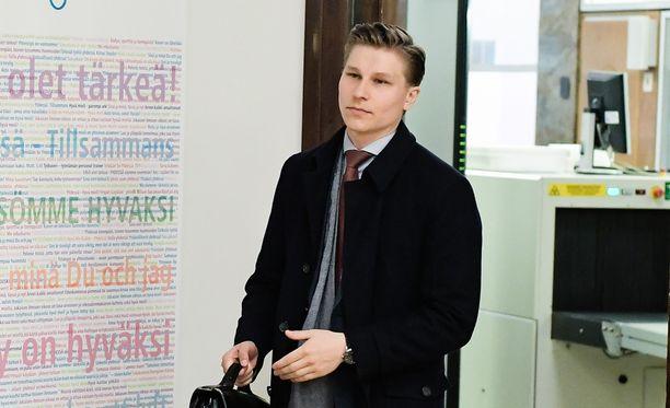 Antti Häkkänen kertoo odottavansa kansan oikeustaju -selvitystä, joka valmistuu kesällä.