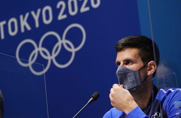 Novak Djokovic jatkaa toiselle kierrokselle.