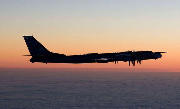 Ilmavoimat julkaisi tämän viikon tiistaina kuvia Itämerellä tunnistetuista venäläiskoneista.