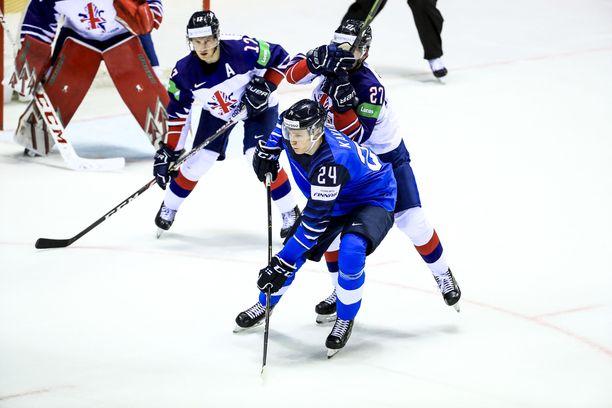 Kaapo Kakko on tehtaillut viidessä MM-ottelussa tehot 6+1.
