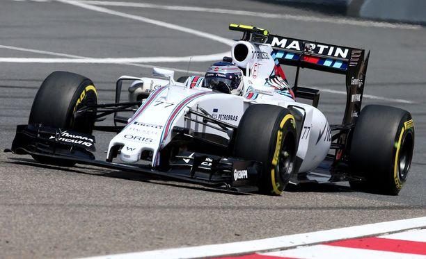 Valtteri Bottas jäi 0,8 sekuntia Lewis Hamiltonista.