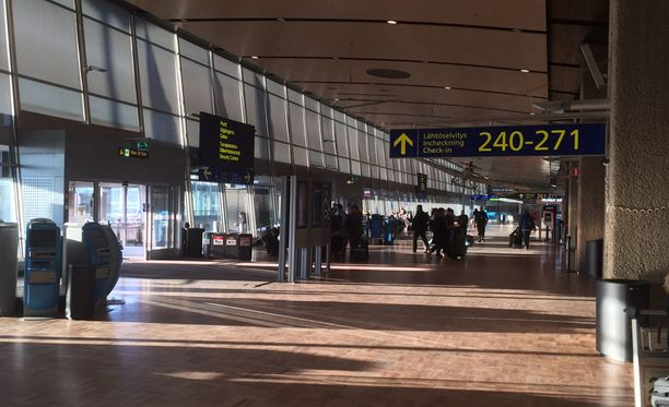 Yli 90 Finnairin lentoa on peruttu perjantailta.