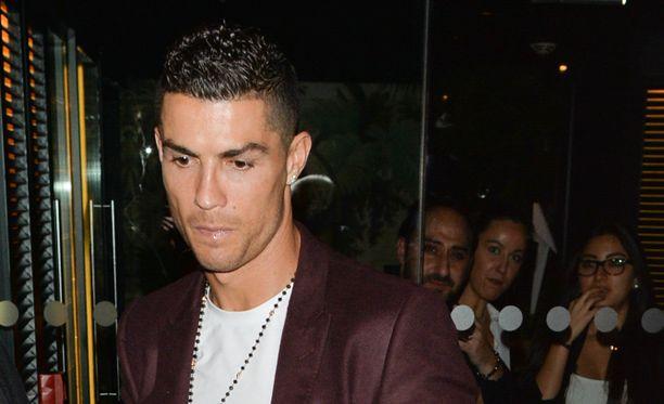 Cristiano Ronaldolta vaaditaan DNA-näytettä raiskaussyytöksen tutkintaan.