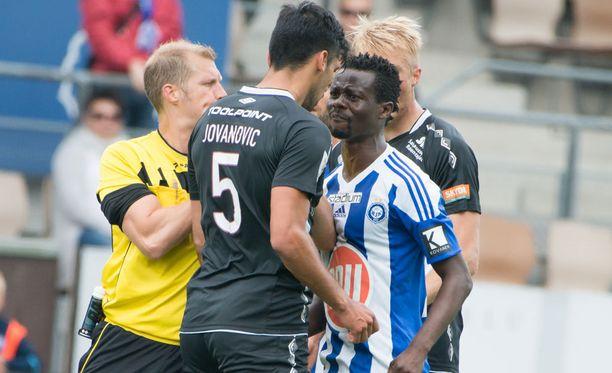 Tunteet räiskyivät HJK:n ja FC Lahden välisessä veikkausliigaottelussa.