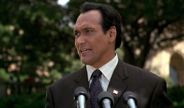 Sons of Anarchyssa Jimmy Smits oli Nero Padilla, West Wingissä Matthew Santos.