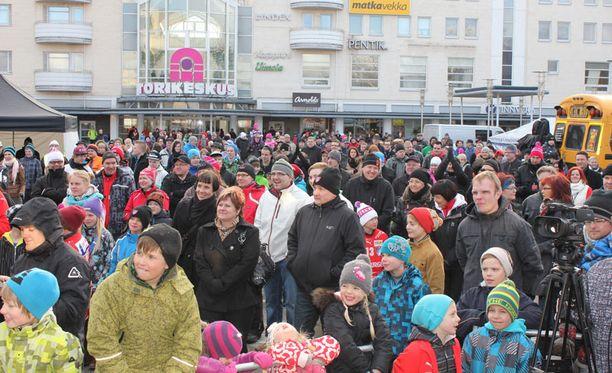 SPV:n juhlat täyttivät Seinäjoen torin.