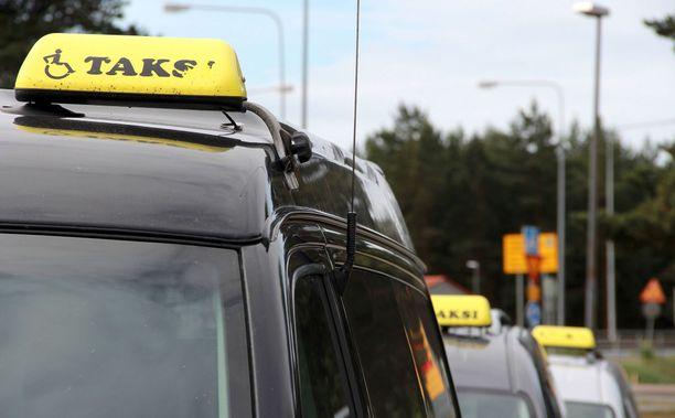 Kuntien järjestämien taksimatkojen selvityspyynnön määräraja on 31.5.