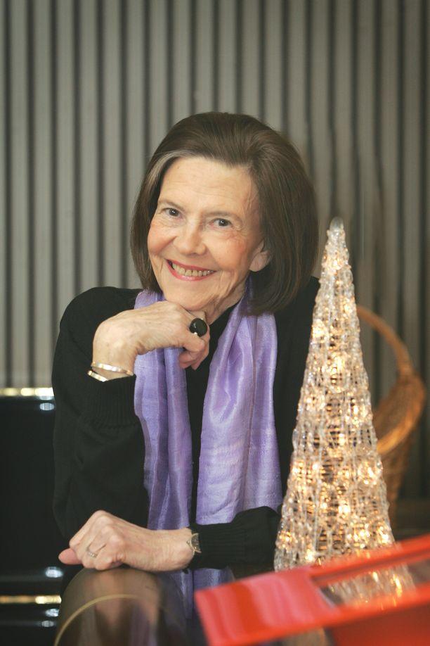 Tiina Rinne teki pitkän uran näyttelijänä.