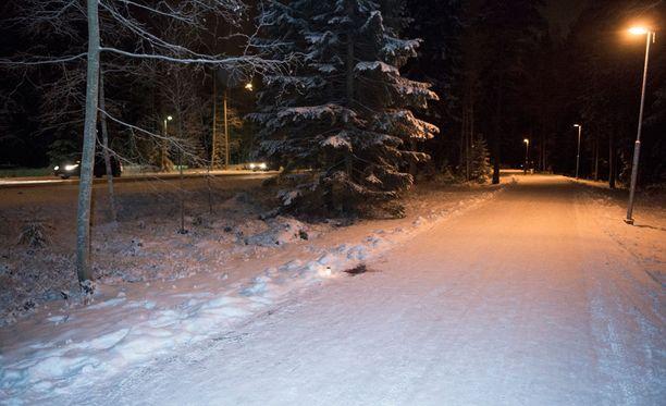 Petri Salonen löydettiin Tesoman valtatien kävelytieltä kuolleena.