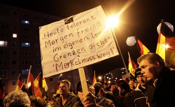 Saksassa on järjestetty lukuisia mielenosoituksia turvapaikanhakijoita vastaan. Kuva viime helmikuulta.
