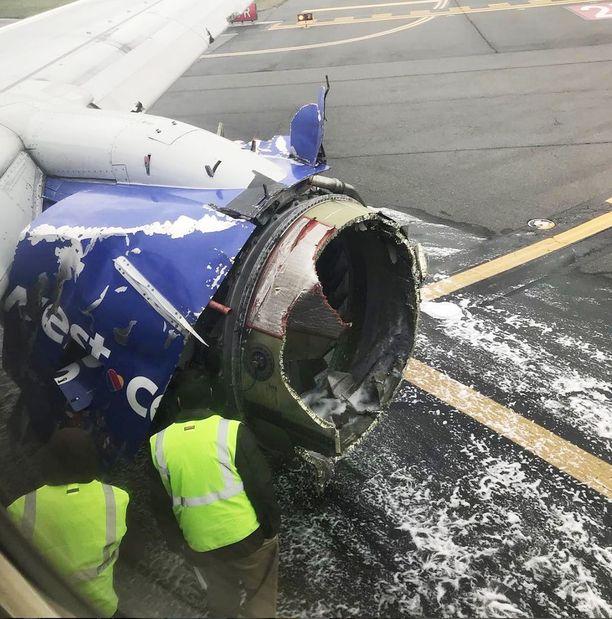 Koneen moottori kärsi mittavia vaurioita.