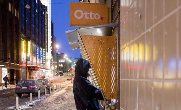 Laajentumisen jälkeen K-kauppojen yhteydessä on noin 350 Otto-automaattia.
