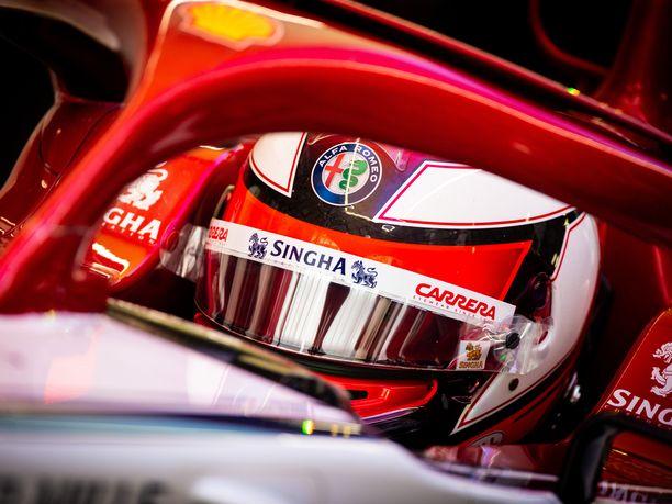 Kimi Räikkönen joutui tyytymään Kiinan GP:n aika-ajoissa 13. sijaan.