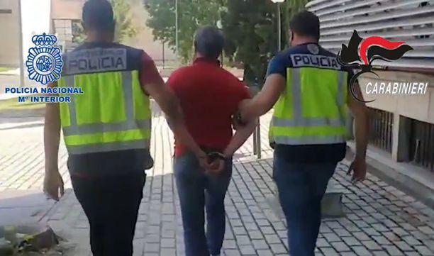 Domenico Paviglianiti otettiin kiinni kadulta Madridissa. Hän ei tehnyt vastarintaa.