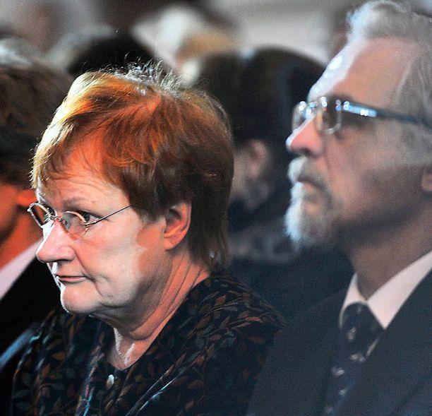 Yleisössä istuivat myös tasavallan presidentti Tarja Halonen ja hänen miehensä tohtori Pentti Arajärvi.