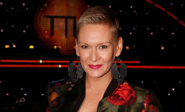 Heidi Sohlberg viihtyy lyhyessä tukkamallissaan.
