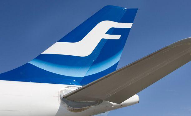Finnairilta muistutetaan, että lentokoneet on rakennettu kestämään salamaniskuja.