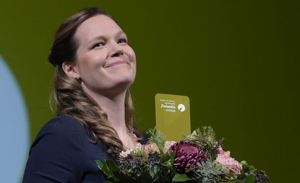 Juuli Niemi voitti lasten- ja nuortenkirjallisuuden Finlandian.