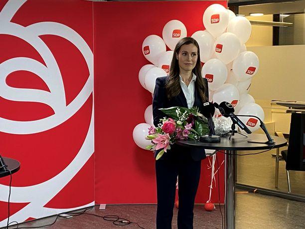 Sanna Marin kommentoi vaalitulosta kello 23 jälkeen. Kuva: Hanna Gråsten