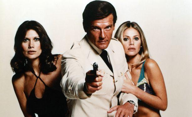 Roger Moore tuli tunnetuksi salainen agentti James Bondina.