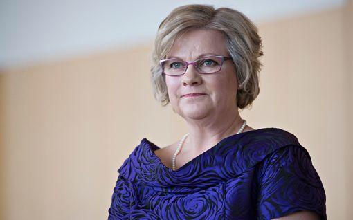 """Minna-Maaria Sipilä puhuu Kotiliedessä poikansa kuolemasta: """"Viimeisen pedin sijaaminen omalle lapselle oli raskas tehtävä"""""""