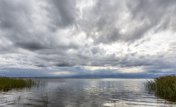Aurinko näyttäytyy maanantaina Etelä-Suomessa, kertoo Ilmatieteen laitos. Kuvituskuva