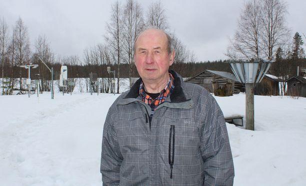 Erkki Partanen otti hoitaakseen säähavaintoaseman ja aikoo jatkaa hommia edelleen.