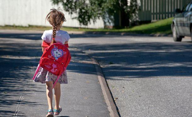 Maksujen nousun takia osa pienituloisten perheiden lapsista jäisi aamu- ja iltapäivätoiminnan ulkopuolelle.