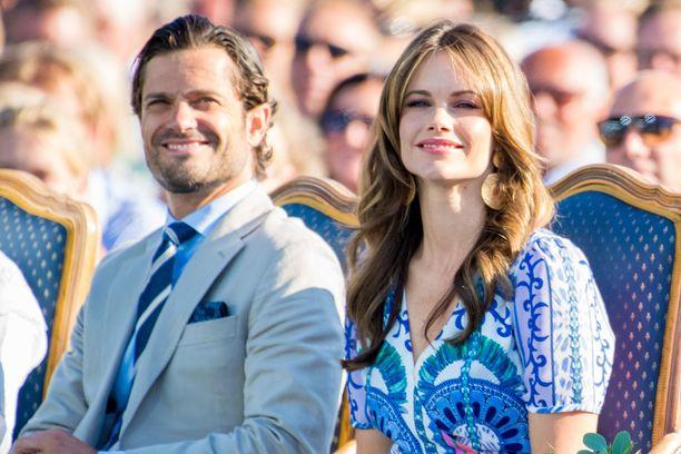 Prinssi Carl Philip ja prinsessa Sofia ovat olleet viikonloppuna häähumussa. Kuva viime kesältä.