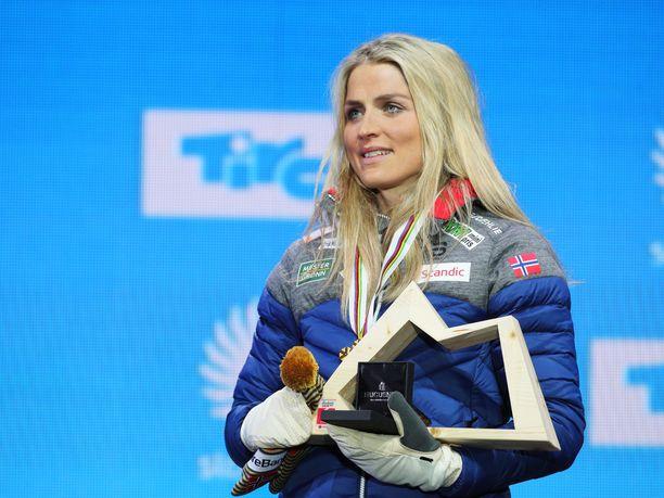 Therese Johaug nappasi MM-kultaa yhdistelmäkisassa.