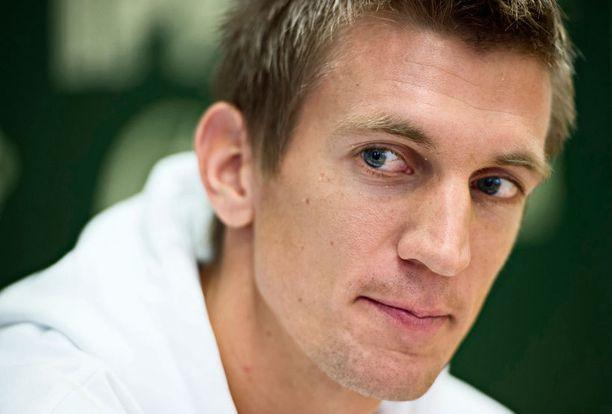 Tennistähti Jarkko Nieminen on tämän vuoden lähettiläs homofobian ja transfobian vastaiselle työlle.