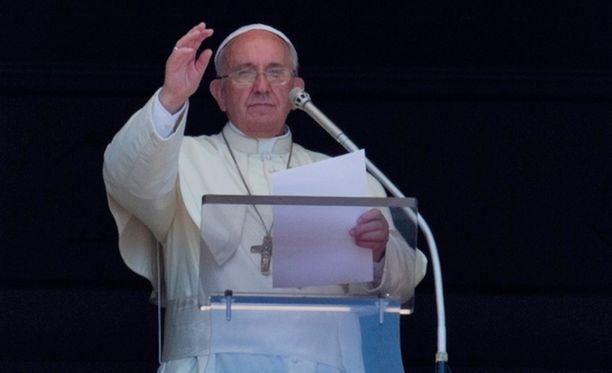 Pappien hyväksikäytöstä selvinneiden yhteisön vetäjä ei ole tyytyväinen paavin toimintaan.