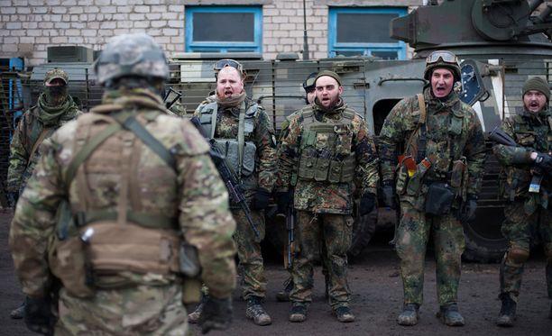 Ukrainan Azov-pataljoonalaiset harjoittelivat viime viikolla Mariupolissa.