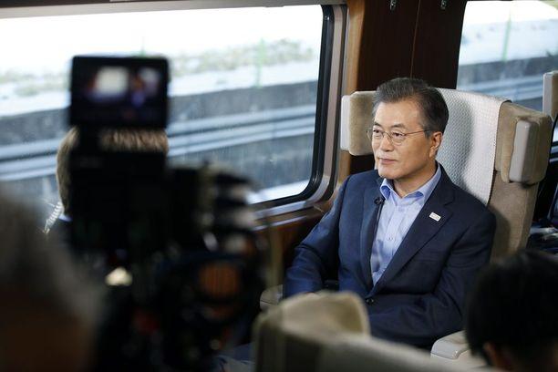 Etelä-Korean presidentti Moon Jae-in haluaa rauhaa, jonka ehtona on ydinaseriisunta Korean niemimaalla.