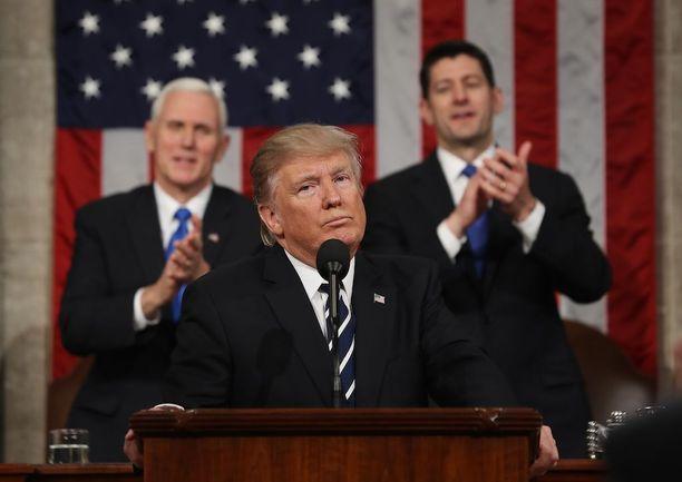 Donald Trump ehdotti muun muassa totaalista remonttia maahanmuuttoon.