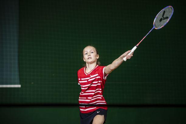 Nella Nyqvist haastaa jo paljon itseään vanhemmat pelaajat.