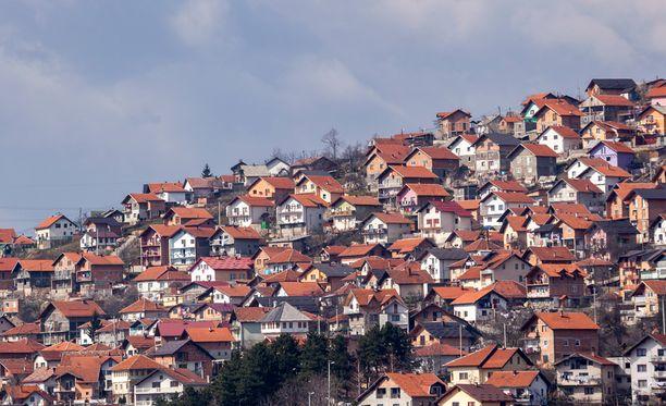 Kaikkiaan 11 ihmistä on pidätetty lähiössä Sarajevossa.