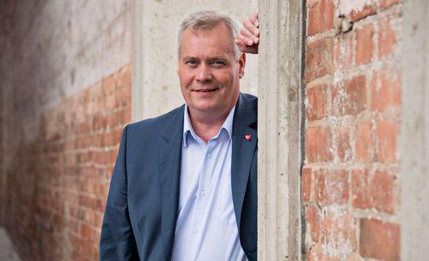 SDP:n puheenjohtaja Antti Rinne pilkkoisi Postin.