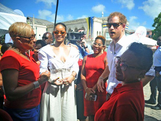 Prinssi ja Rihanna ilmoittautuivat vapaaehtoisiksi hiv-testeihin.